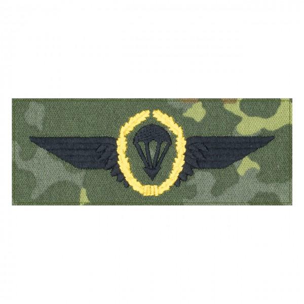 Fallschirmspringerabezeichen GOLD Bundeswehr auf 5farb-Tarndruck mit Klett